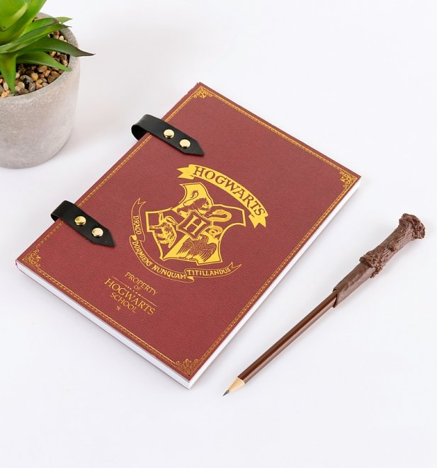 Harry Potter Hogwarts Crest Notebook and Wand Pencil Set
