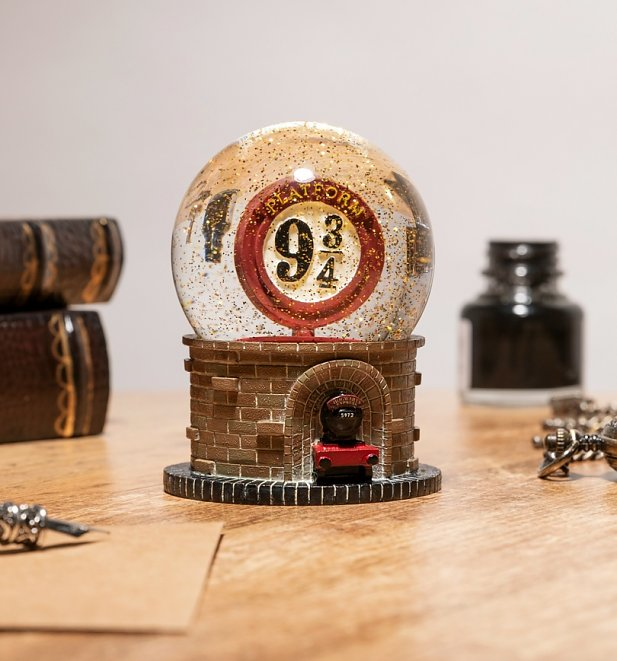 Harry Potter Platform 9 3/4 Snow Globe