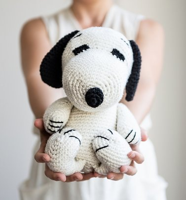 Peanuts Snoopy Amigurumi Crochet Kit from Stitch & Story